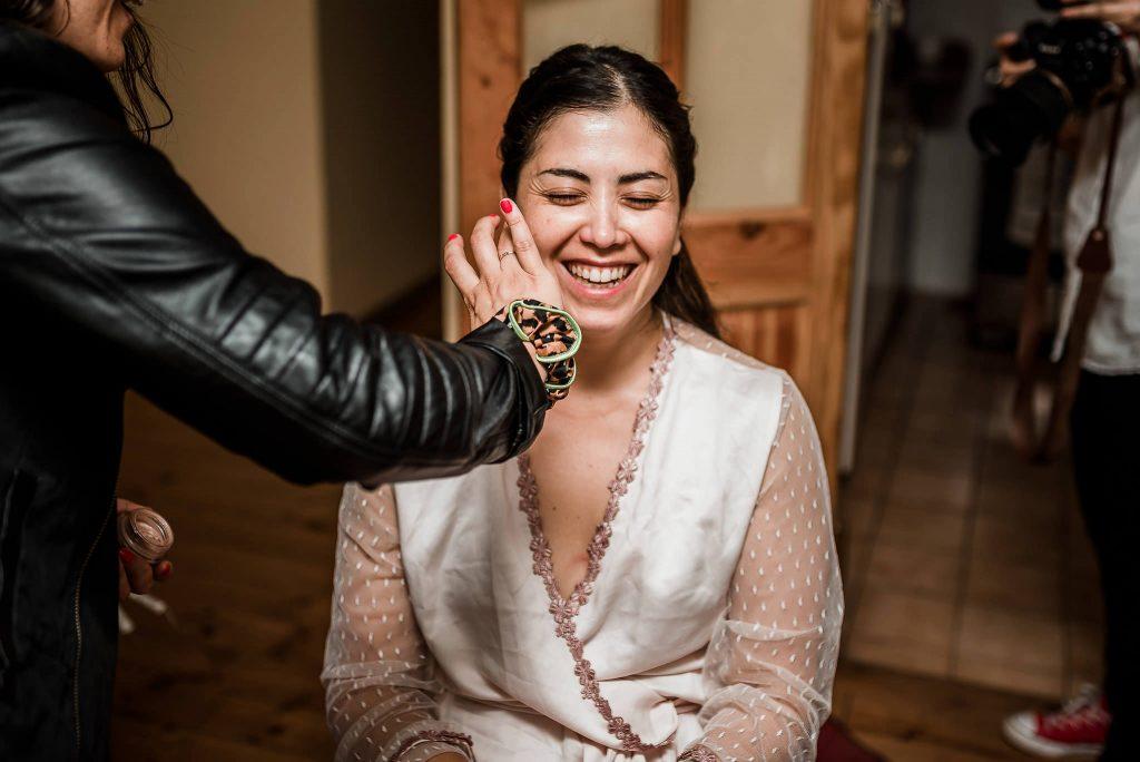 fotografia de matrimonios lu 111 1024x684 - Preparación de la Novia: Un momento intimo